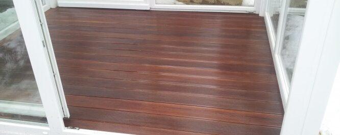 Lesena terasa IPE v kadilnem prostoru