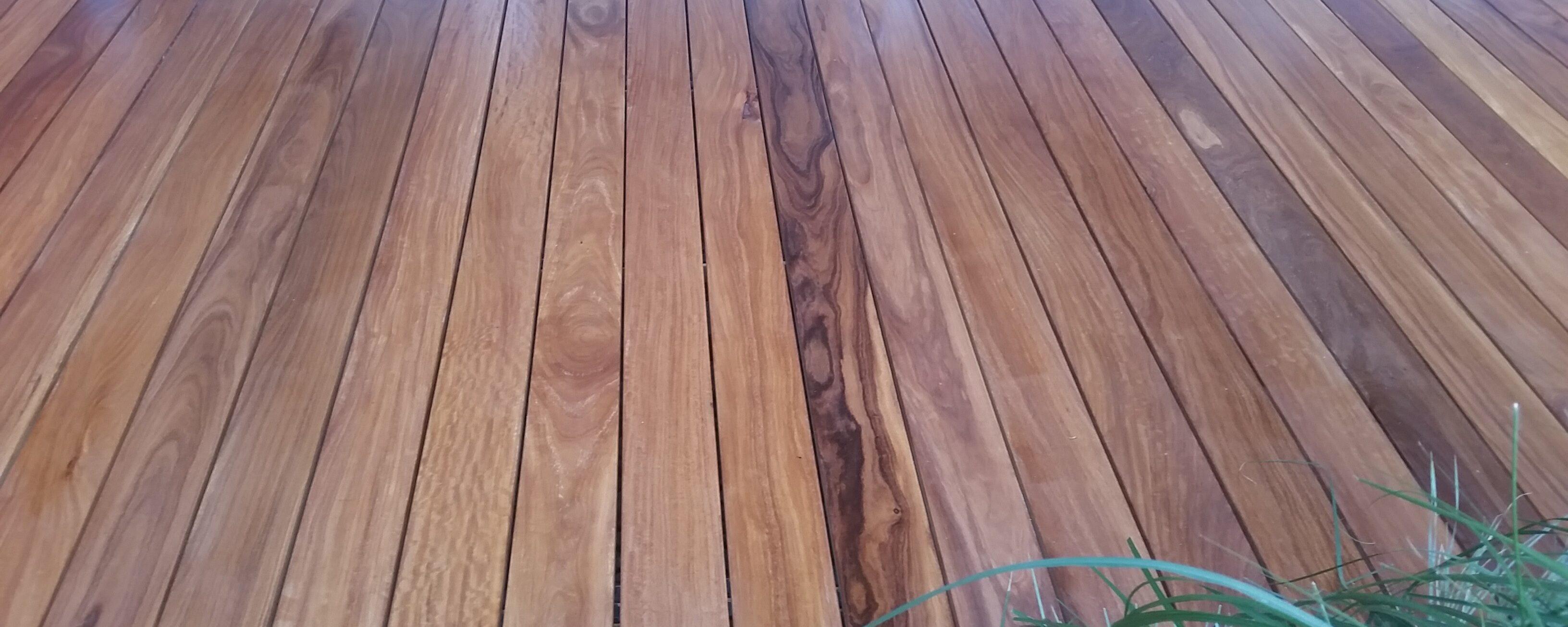 Lesena terasa in stopnice iz tropskega lesa Cumaru
